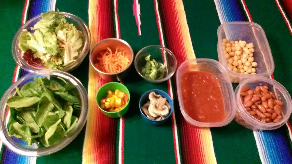 salad bar at home